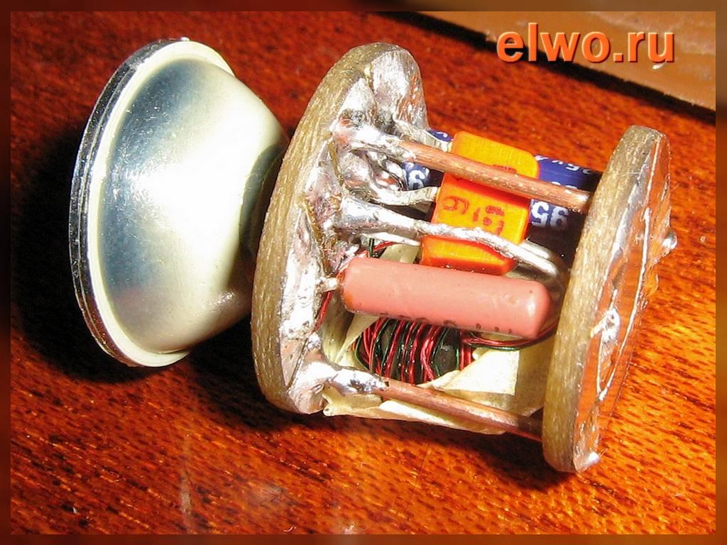 Схема простого преобразователя для пальчиковой батареи для питания светодиодного фонарика.