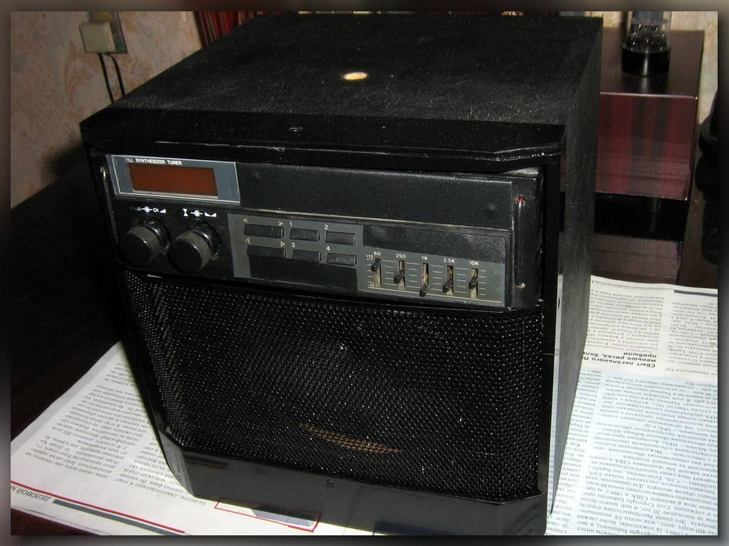 чёрная передняя панель сетка в музыкальный центр