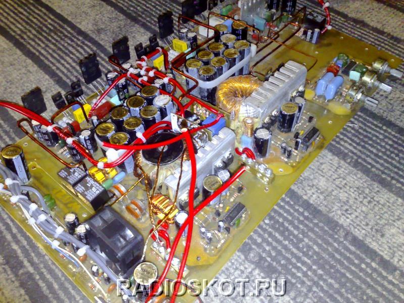 Трансформаторы были укреплены на плату с помощью шайб
