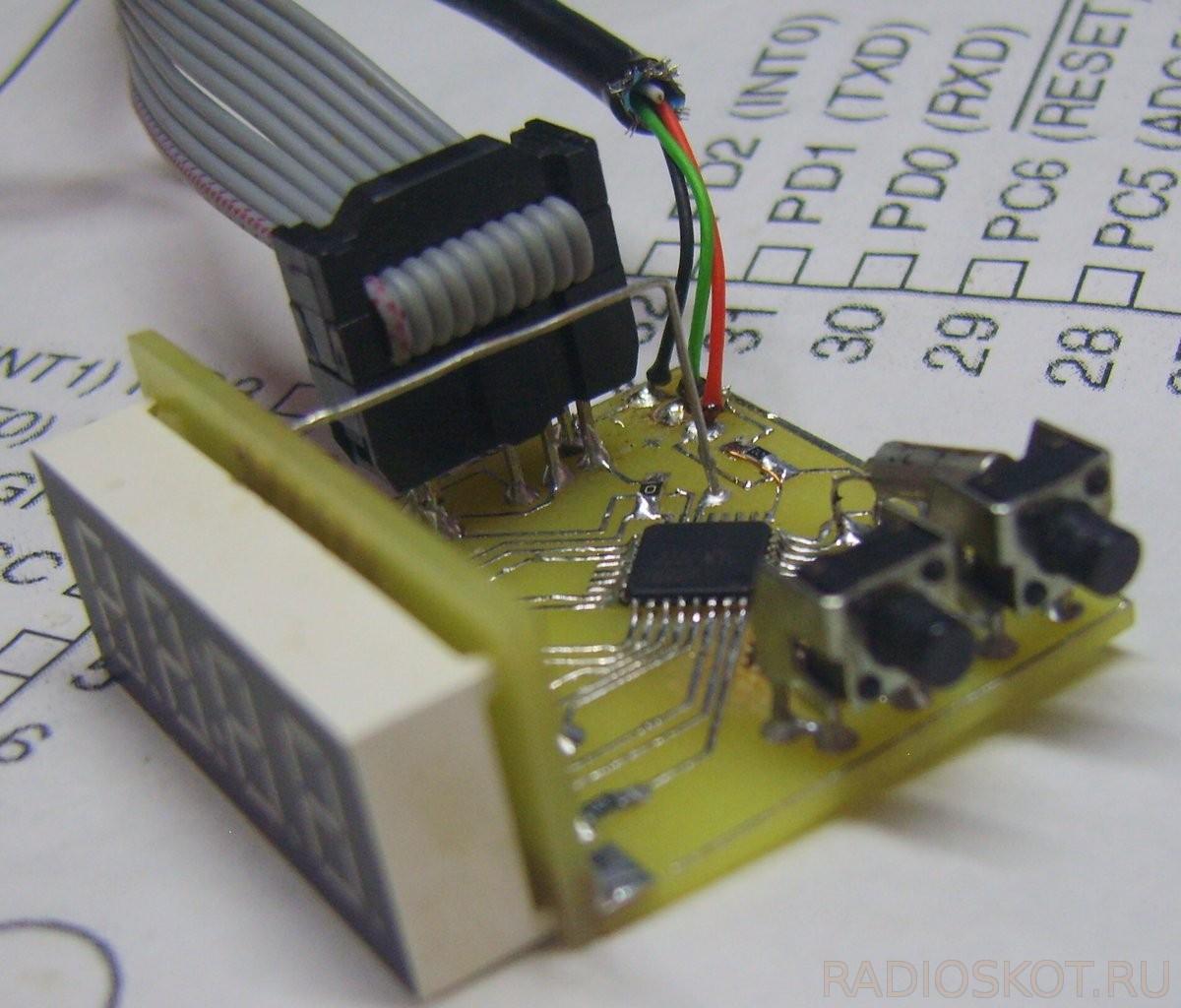 схема 7 сегментный индикатор часы термометр avr
