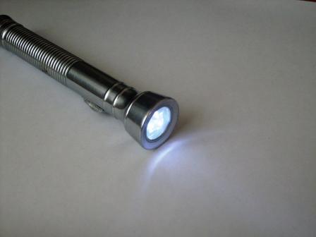 Отражатель, корпус со стеклом и. светодиодами. от китайского фонарика.  Настройка работы преобразователя сводится к...