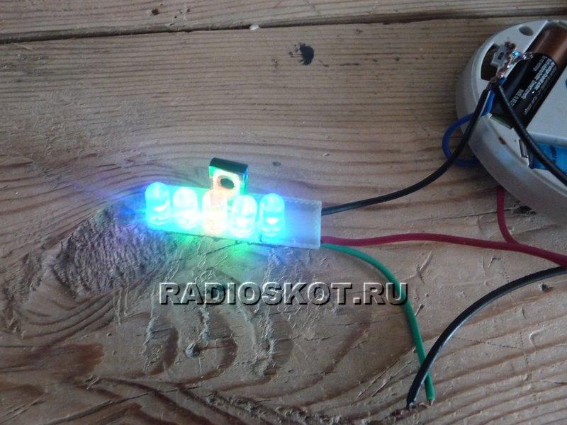 цветомузыки. не будет работать, если в роли LED1, LED2, LED4, LED5 будет стоять красный светодиод.
