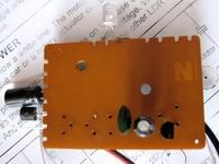 плата с компонентами светодиодной мигалки 1,5В.